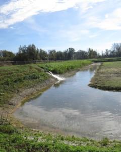 Cevovod iz Ormoškega jezera skrbi za dotok vode v bazene Ormoških lagun.